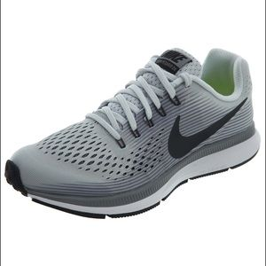NIKE pegasus gray running shoe size 4.5 youth